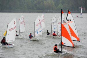 Prima competiție de yachting din sezonul 2019 debutează cu ploaie torențială pe Lacul Herăstrău